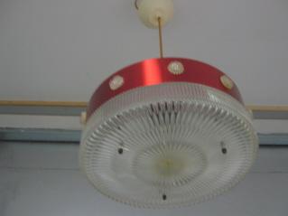 Uudet valaisinpistorasiat voivat vaatia muutoksia – vanhat valaisimet silti käyttökelpoisia